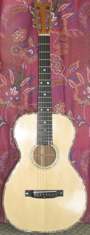 Les guitares d'un luthier aussi amateur que passionné ... 0-12%20acajou%20016