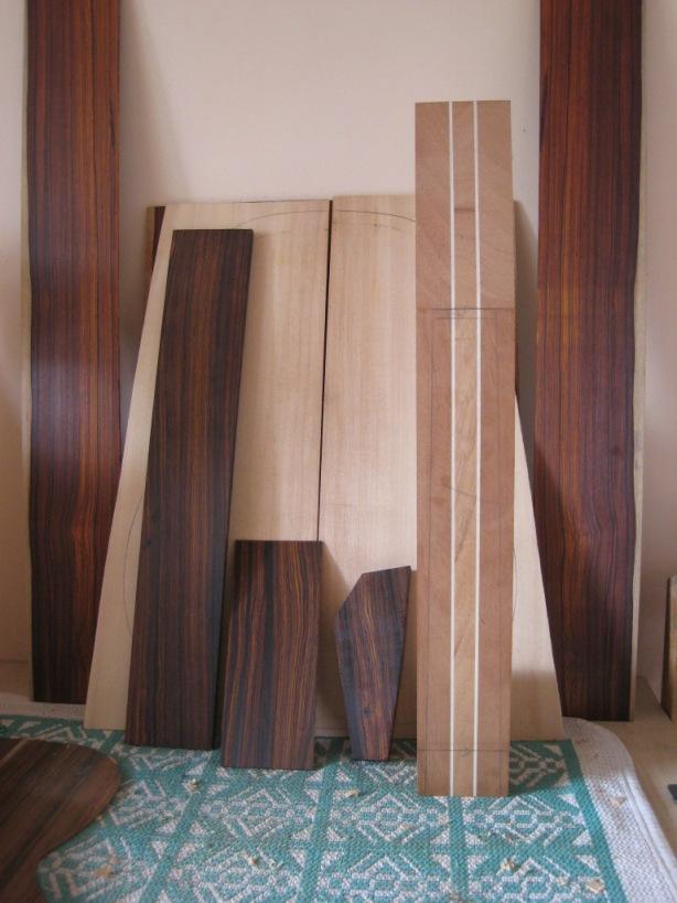 Les guitares d'un luthier aussi amateur que passionné ... 000-12%20cocobolo%20003
