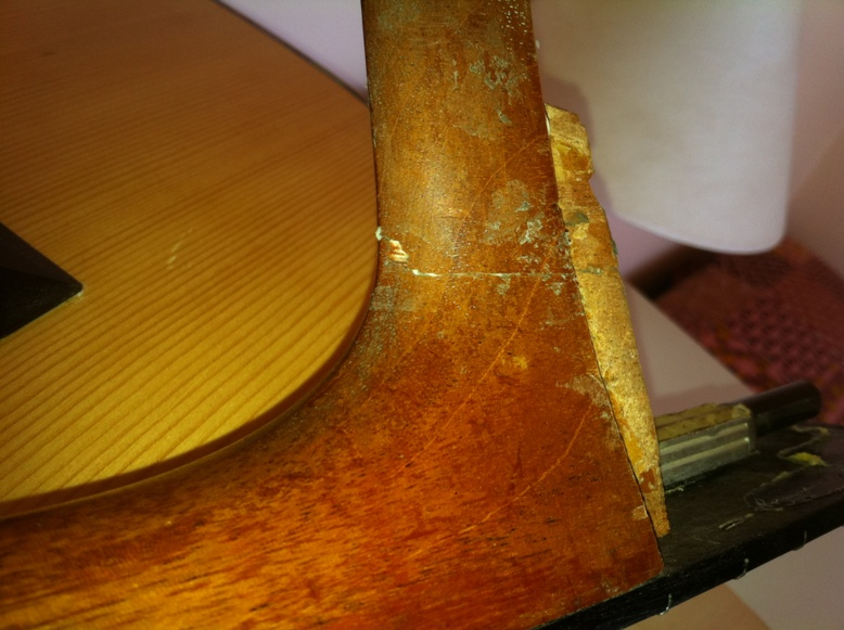 Les guitares d'un luthier aussi amateur que passionné ... - Page 3 0-12heel002