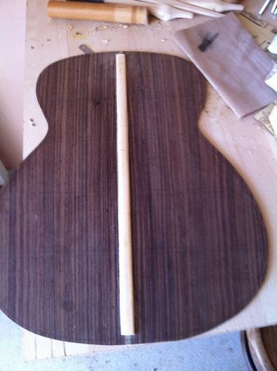 Les guitares d'un luthier aussi amateur que passionné ... - Page 5 Reso%20009