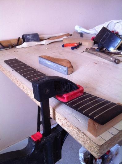 Les guitares d'un luthier aussi amateur que passionné ... - Page 5 Reso%20014