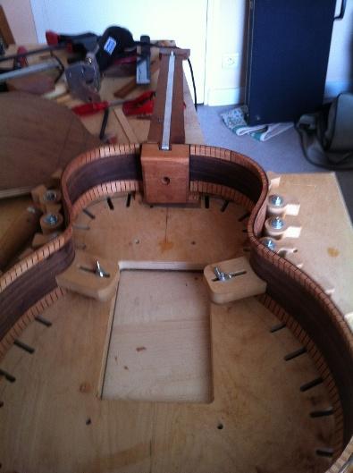Les guitares d'un luthier aussi amateur que passionné ... - Page 5 Reso%20015