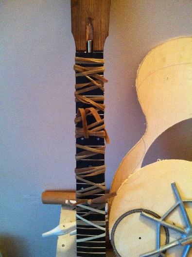 Les guitares d'un luthier aussi amateur que passionné ... - Page 5 Reso%20019