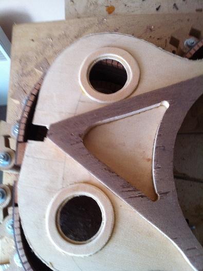 Les guitares d'un luthier aussi amateur que passionné ... - Page 5 Reso%20024