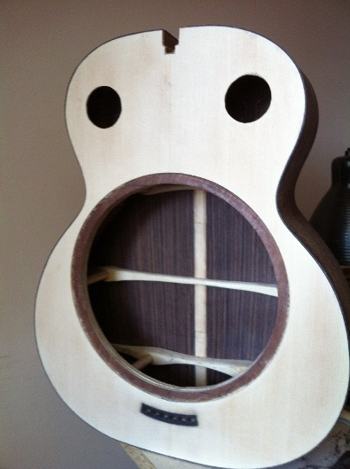 Les guitares d'un luthier aussi amateur que passionné ... - Page 6 Reso%20038